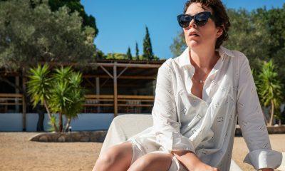 Olivia Colman está obsesionada con una madre y un niño en 'La hija perdida' de Maggie Gyllenhaal